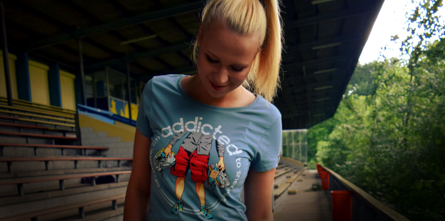 PIKOBELLO-Casuals-T-Shirt_Addicted_to_Sneakers_Slider